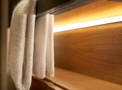 Handtuch im Beyond by Geisel mit Beleuchtung