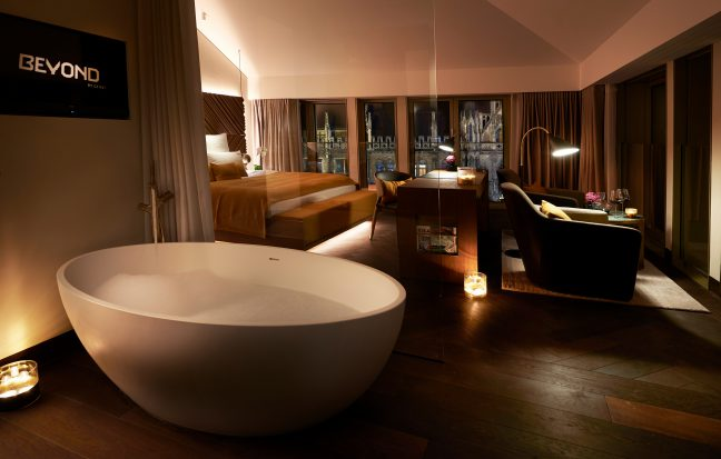 Bedroom in the luxury city residence with view to the Marienplatz, Munich